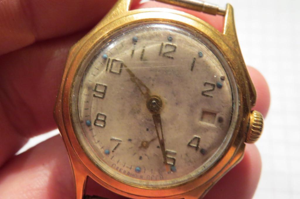 Наручные часы не утратили своей популярности, хотя сегодня несложно узнать, который час, по сотовому телефону.