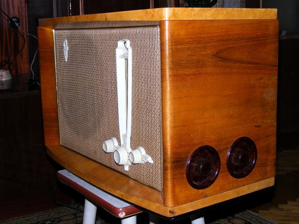 РИГА-10 отличный радиоприёмник!