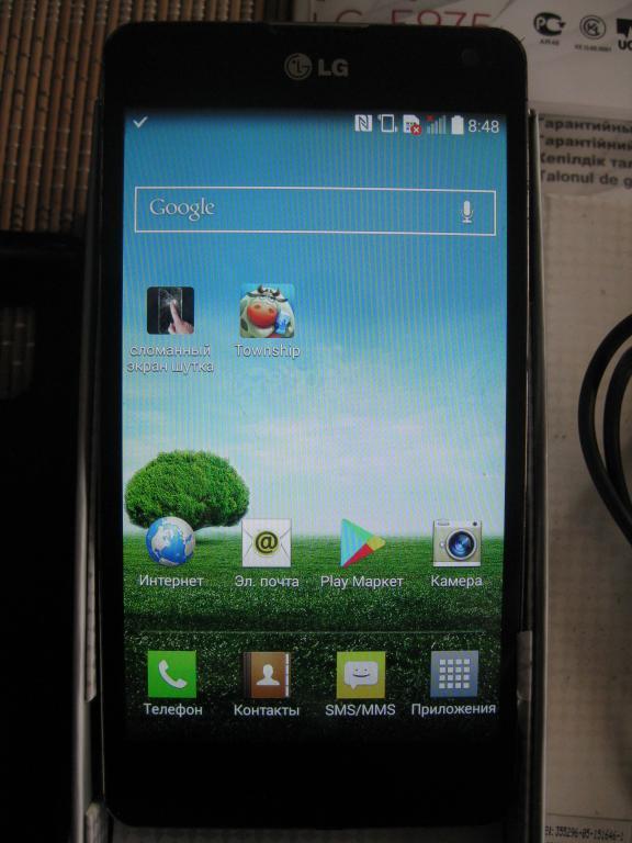 LG E975 Optimus G (флагман), 32 ГБ, камера 13Мр c  рубля!!!