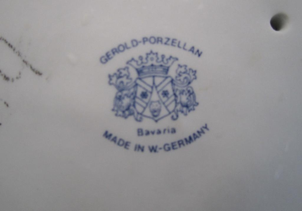 Большая.Gerold-Porzellan.Обнаженная девушка