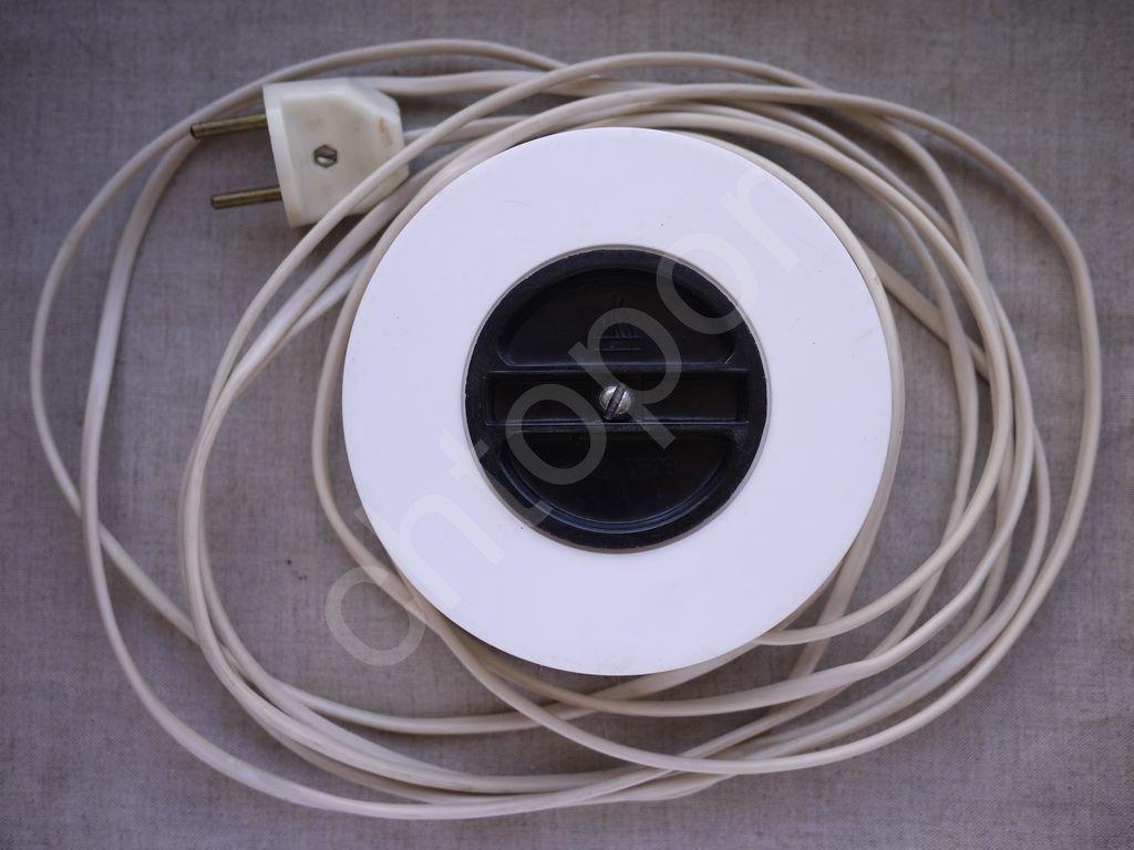 Тройник удлинитель Рулетка бытовой электрический 250V 6A 4.5м