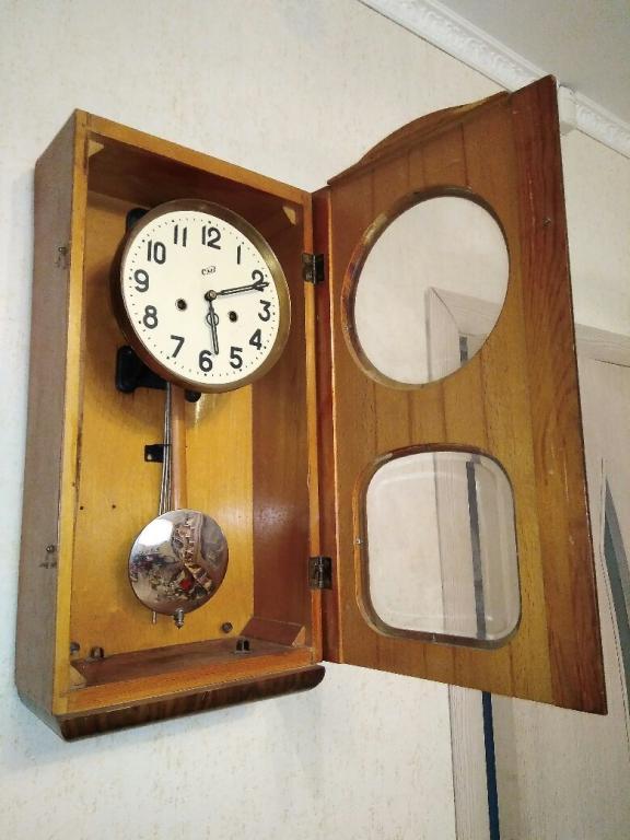 Настенные часы ссср продать старые спб скупка элитных часов