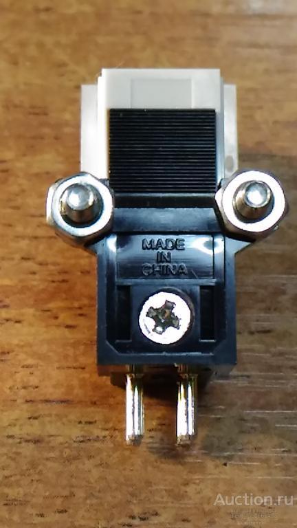 Головка , игла звукоснимателя проигрывателя виниловых  пластинок
