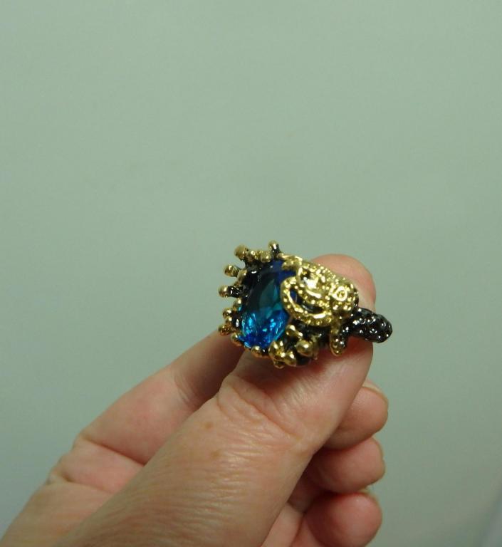 кольцо и серьги из серебра 925 пробы с позолотой. авторская работа в единственном экземпляре, вставк