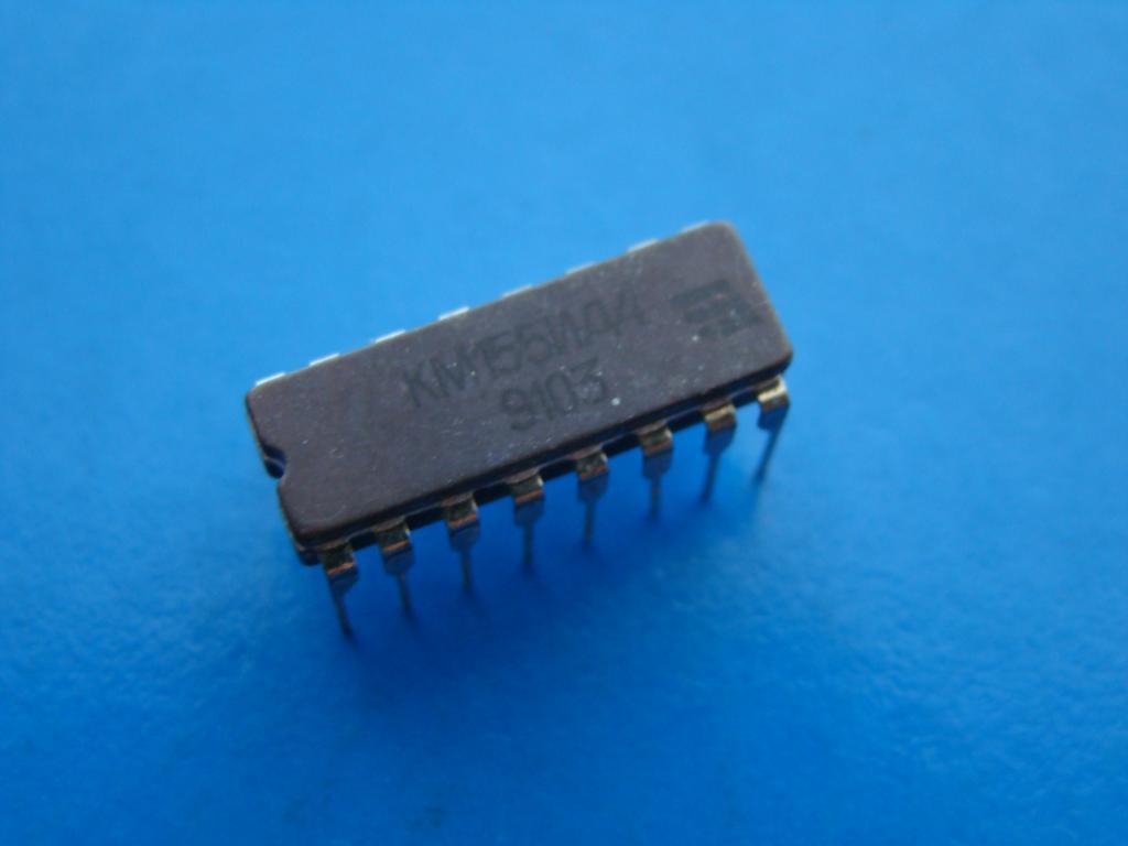 Микросхема КМ155ИД4. Рабочая Б/У.  #Z828
