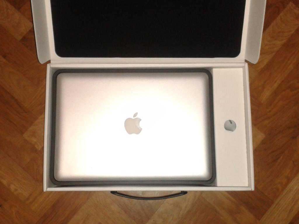  Apple MacBook Pro 13'' (Late 2011), идеальное состояние, комплект в коробке