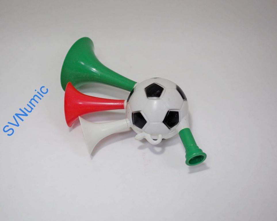 Дудка футбольный мяч. Вариант 2