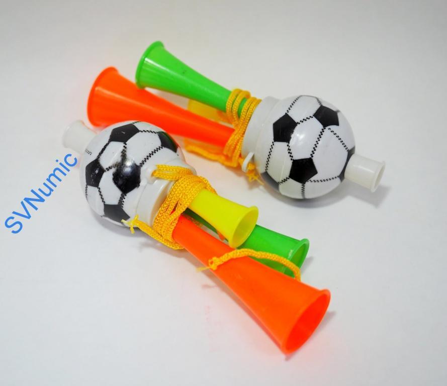 Дудка футбольный мяч. Вариант 1