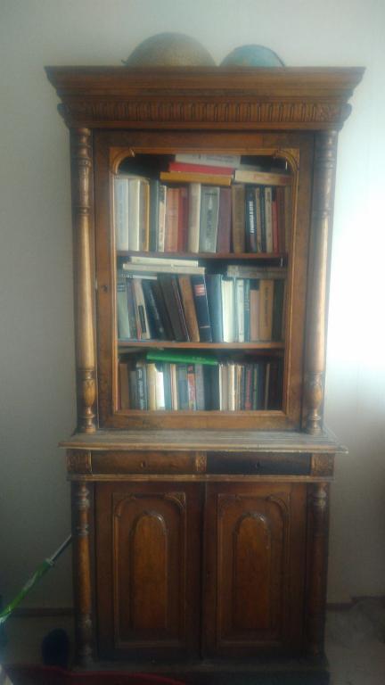 Книжный шкаф,18 век