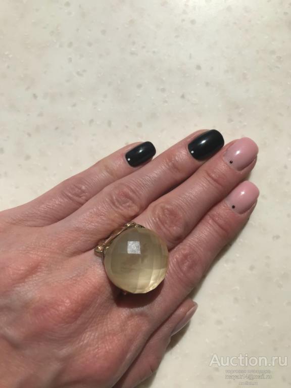 Перстень  массивный   бижутерия стекло