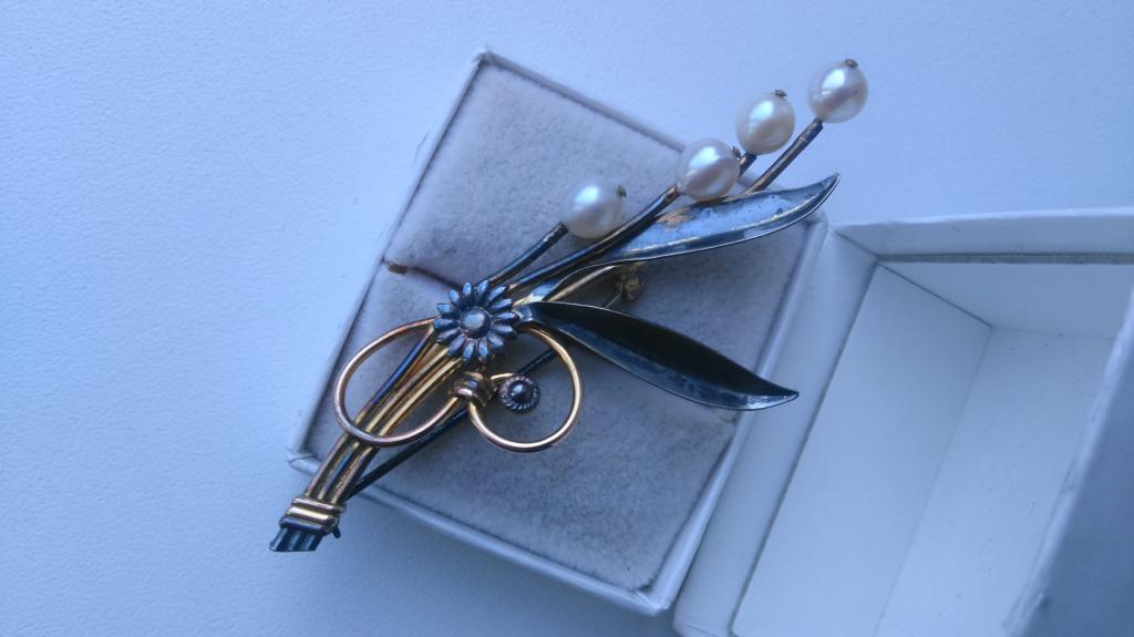 2102 серебряная брошь Ландыши серебро жемчуг золочение винтаж Van Dell США