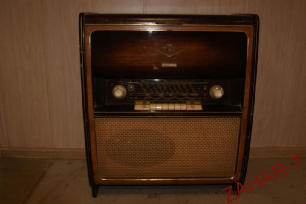 Ламповый приёмник радиоприёмник импортный grundig musikschrank 7000