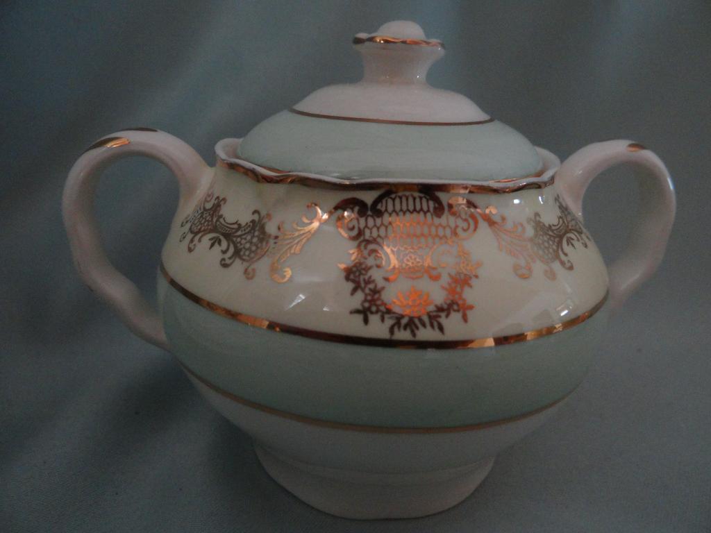 Чайный английский сервиз на 8 персон, 27 пр.Medvinter, Burslem/England