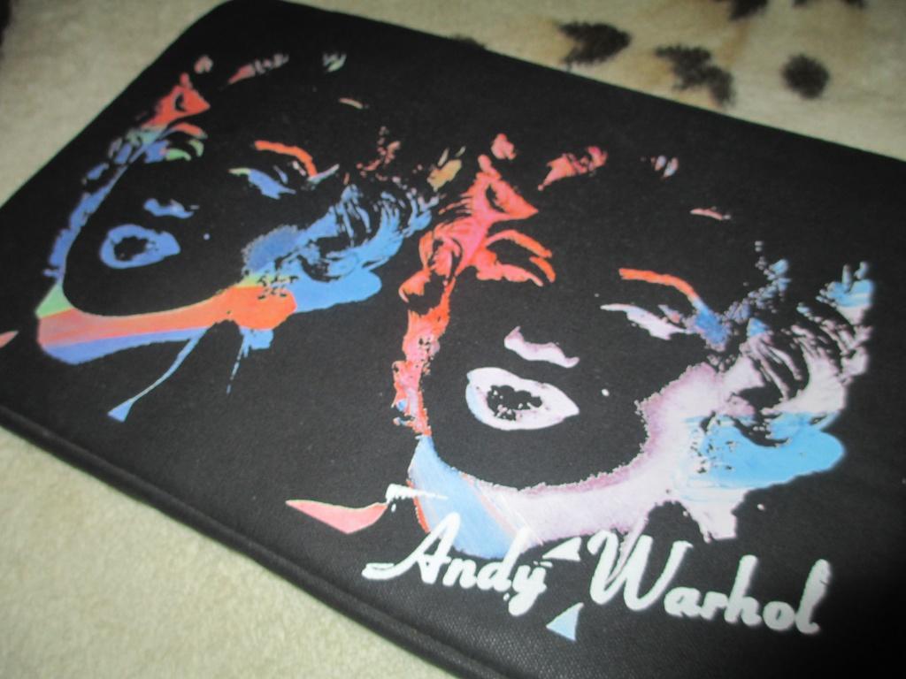 "Чехол для MacBook 11"" Incase Andy Warhol"