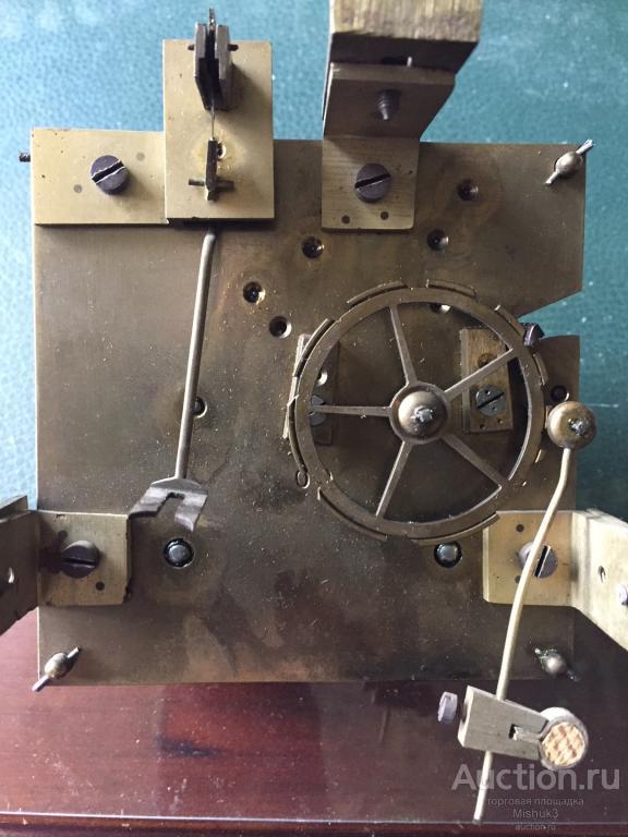 Изящные настенные часы с боем. Инкрустация. Предположительно, Европа, конец  XIX  века.