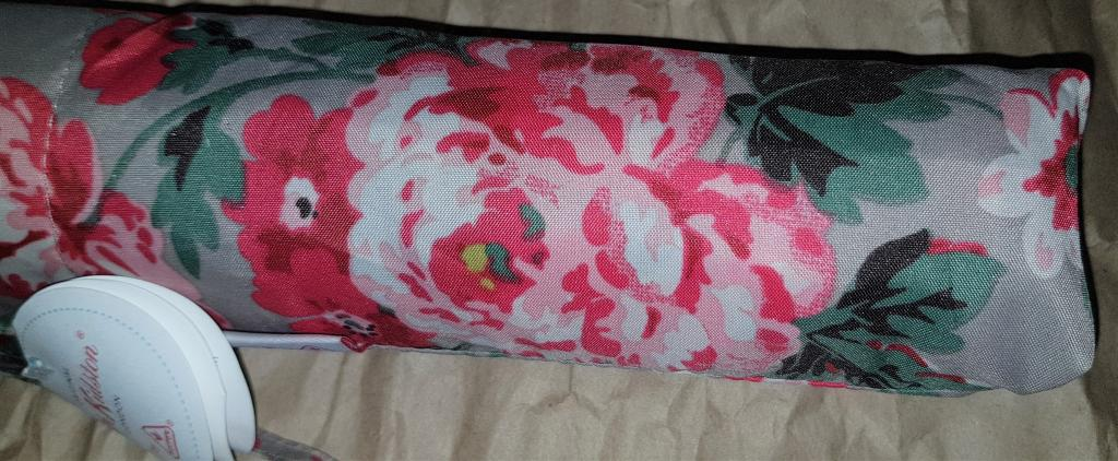 Зонт фирменный Cath Kidston (Fulton ) из Англии новый фирменный красный с розами