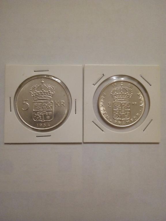 Серебро Швейцарии 5 крон 1954 и 2 кроны 1953 года.