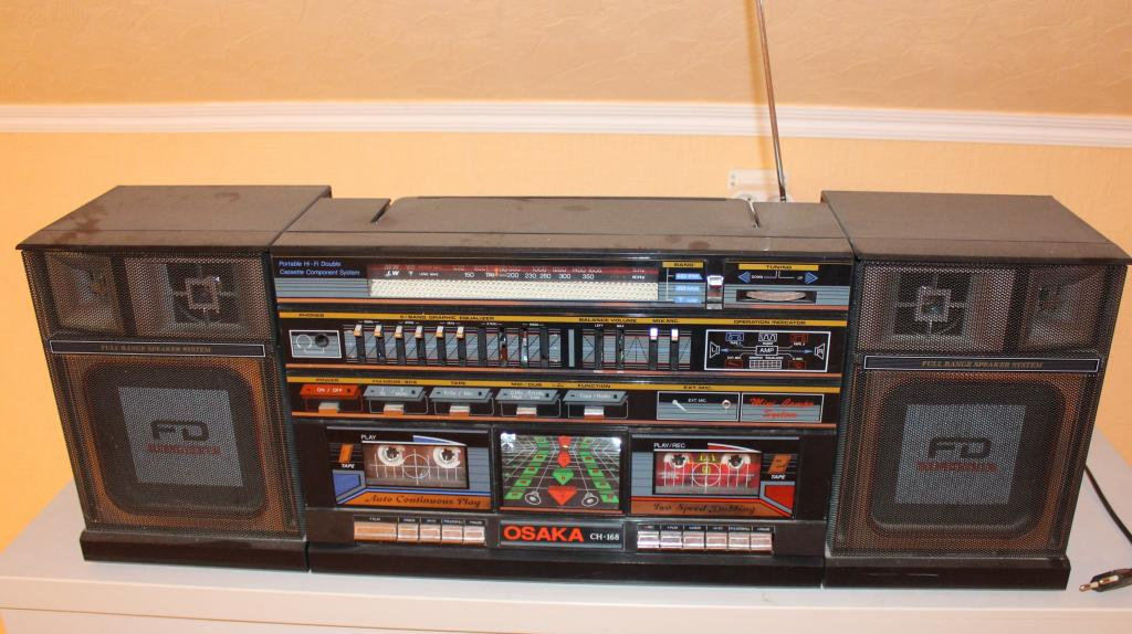 Легенда 80-х двухкассетная японская магнитола Osaka CH 168 (рабочая, под реставрацию)