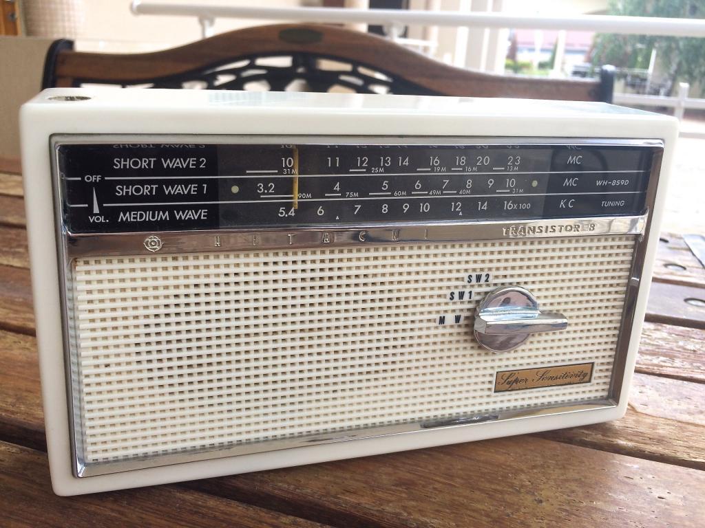 Радиоприемник hitachi WH-859D (1959 г/в)