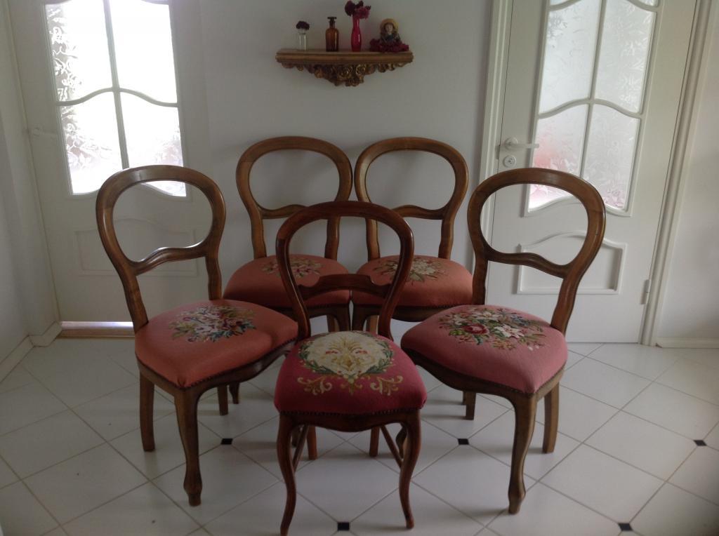Винтажные стулья(Франция)орех-массив. 1930год.Состояние-5+