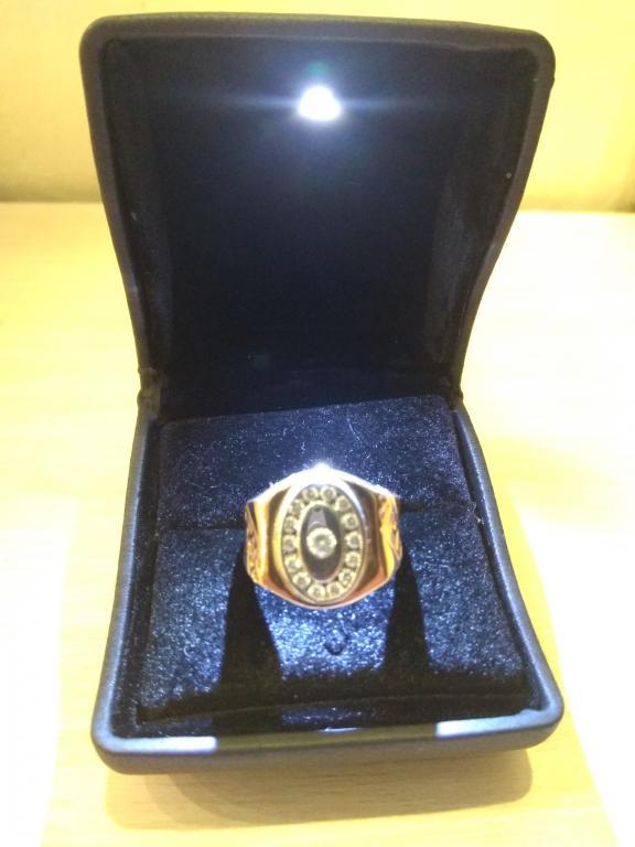 Печатка/перстень мужской 11, 6 грамм 585, 15 фианитов