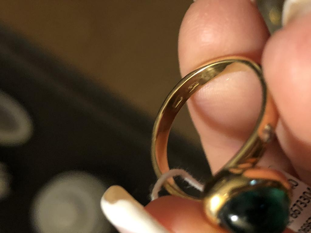 Золотое кольцо 750 с природным изумрудом 2 карата и бриллиантами