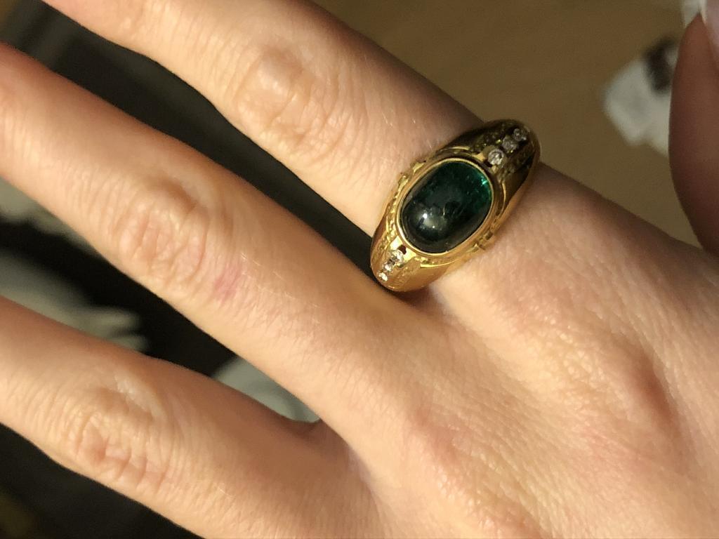 Золотое кольцо 750 с природным изумрудом 2,85 карат и бриллиантами