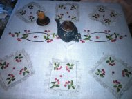 самотканная льняная скатерть, ручная вышивка гладью, с салфетками