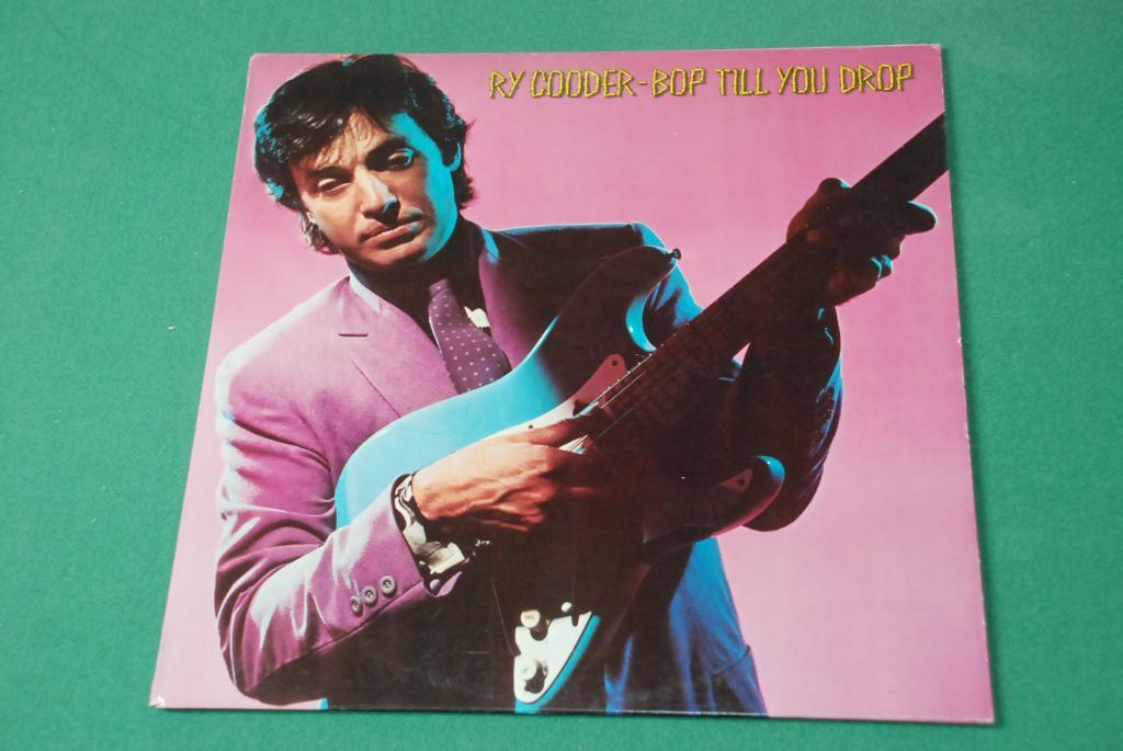BLUES ROCK -  Ry Cooder – Bop Till You Drop   ITALY  1979  LP   -  EX