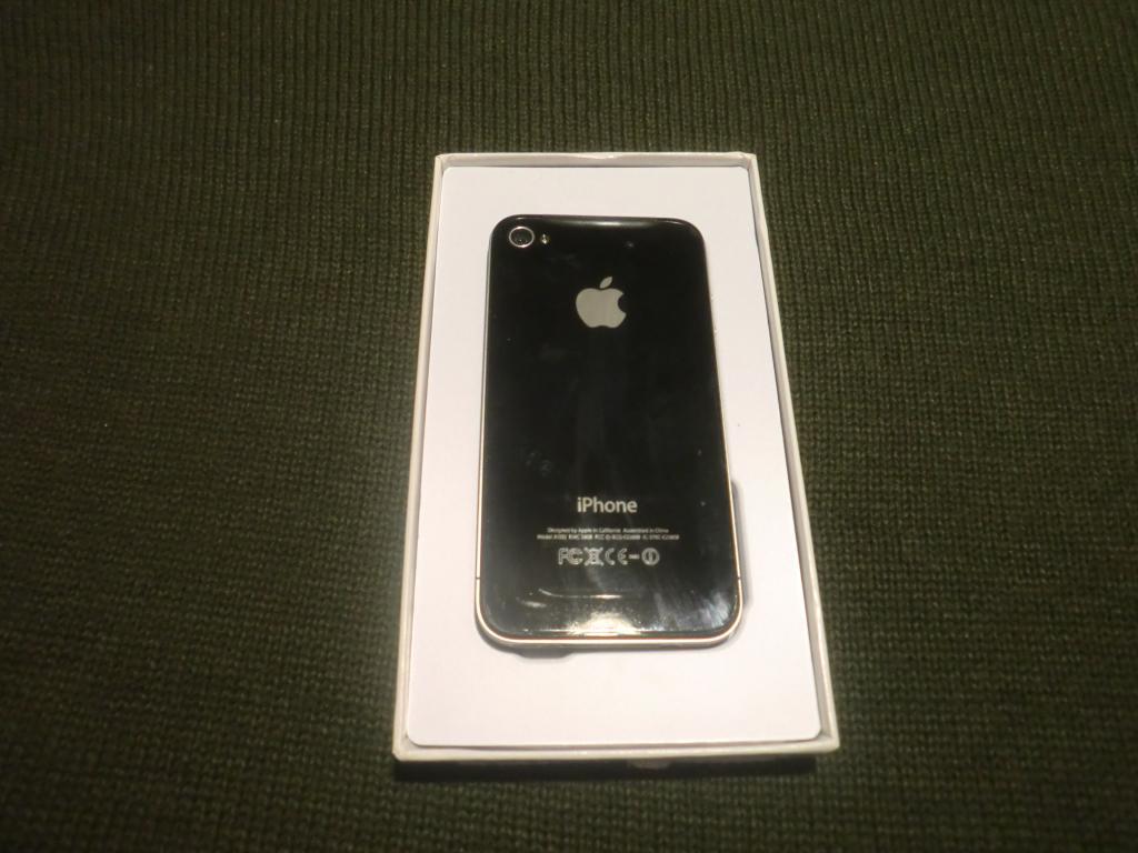 Apple Iphone 4s 32gb.Идеальное состояние.