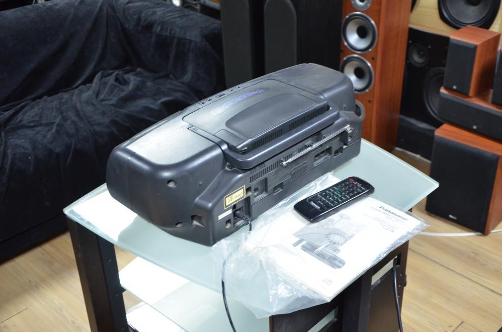 """Магнитола """"кобра"""" Panasonic RX-DT07 пульт и докум."""