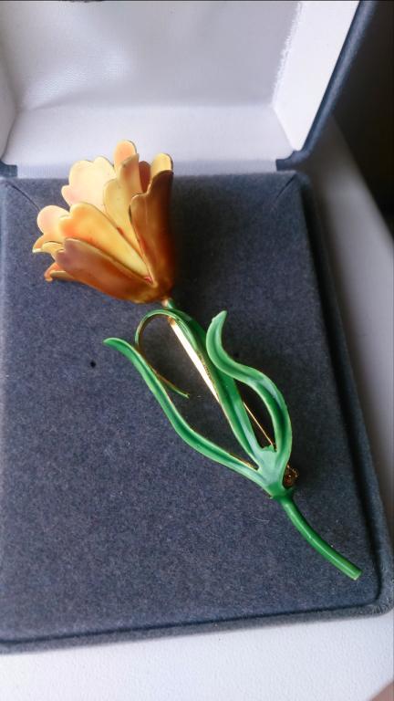 3270 брошь SANDOR Желтый тюльпан цветок эмаль золочение бижутерия винтаж США