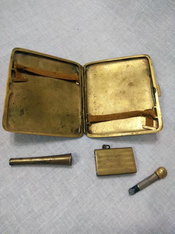 Подарочный набор для курения. Портсигар, мундштук, зажигалка. 1923 год.