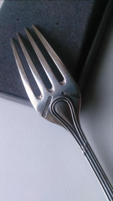 Старинная серебряная вилка бантики HESSENBERG серебро Германия 1890
