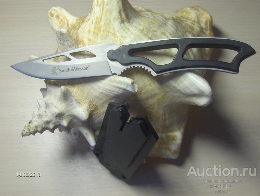 ***Smith & Wesson*** Нож вспомогательный Шейный Скелет Малый охотничий Продуваемые ножны Свисток