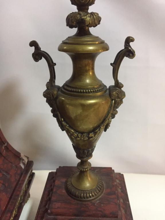 Часы каминные с канделябрами. Мрамор. Бронза. Франция XIX век. Скульптор Огюст Моро.