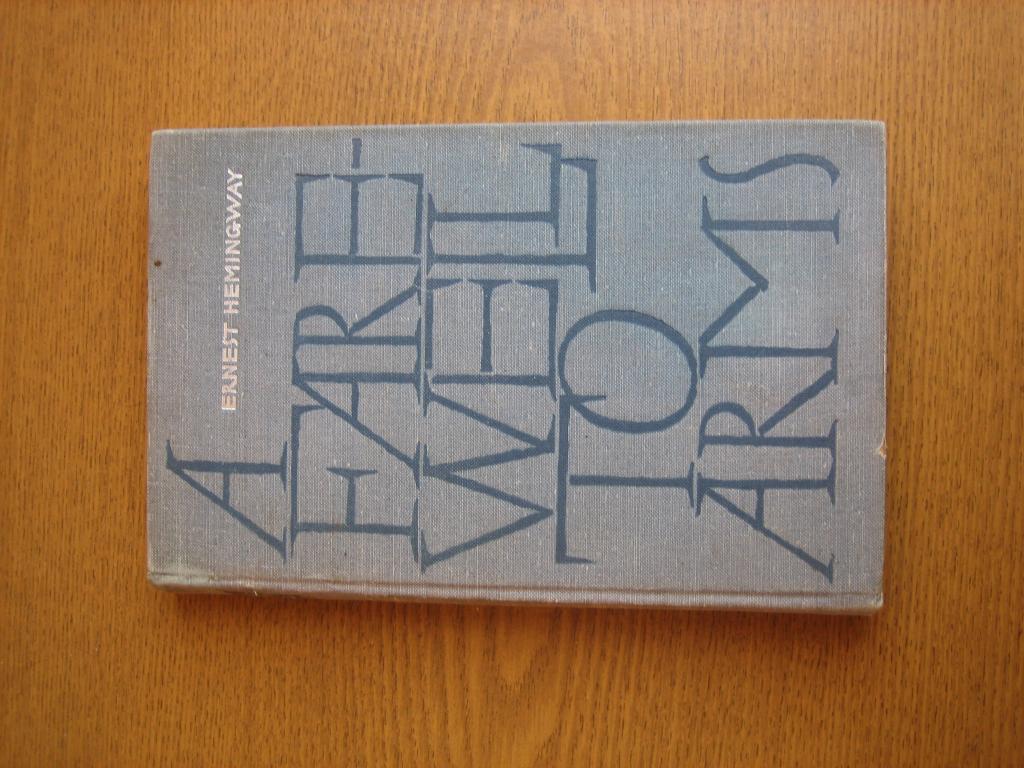 """Ernest Hemingway """"A Farewell To Arms"""" Илл. Толстой"""