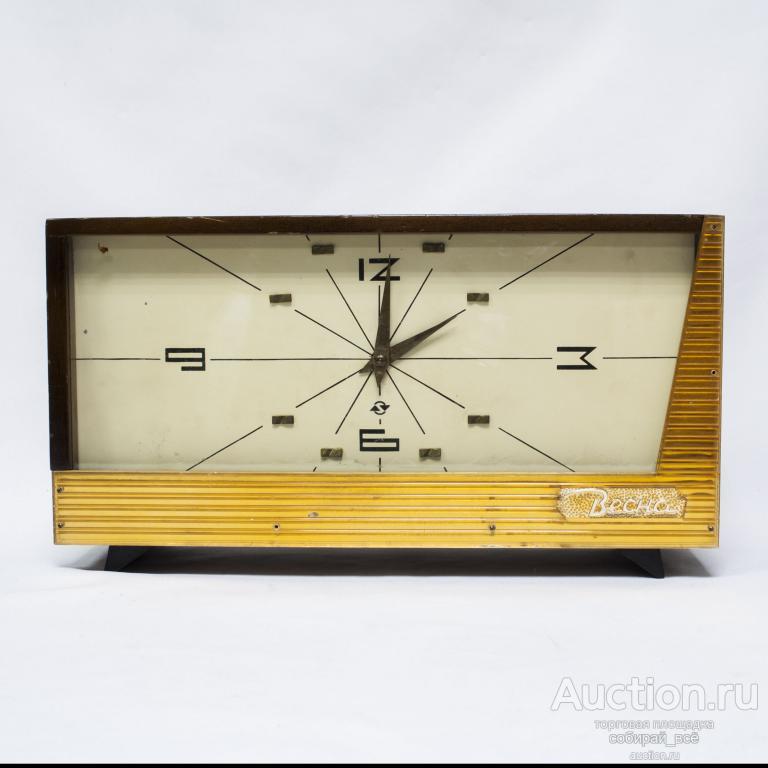 Часы настольные Весна, на  ходу, размер 33,5х18,5х10,5 см