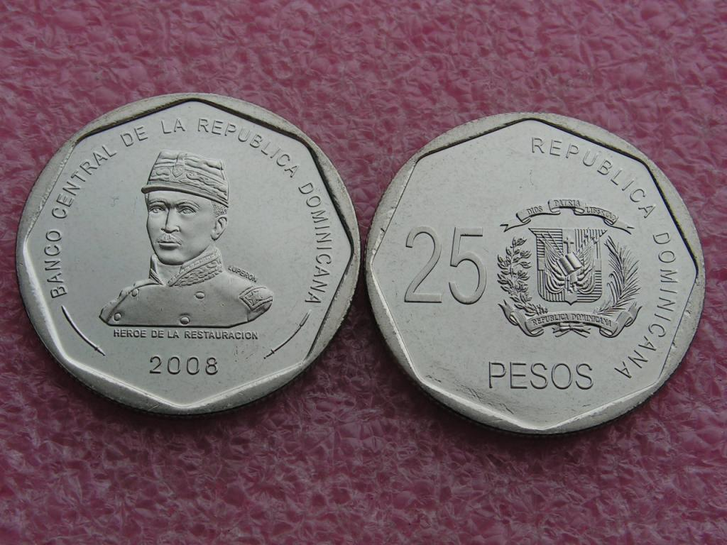 Доминиканская 25 песо 2008 unc