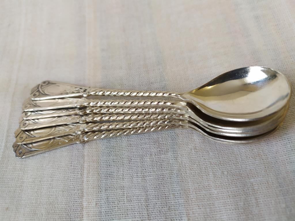 Серебряные кофейные ложки. СССР. Витая ручка. Вес 65 грамм.