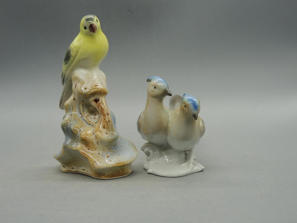 Фарфор Пара Красивых Симпатичных Птиц Европа  Высота 17 и 10 см С Рубля