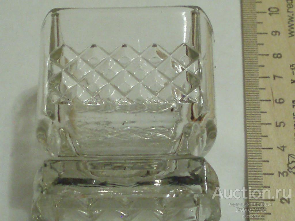 Рюмки хрустально-стеклянные толстое стекло (хрусталь?)крупные. СССР поздний, 6 шт. в комплекте