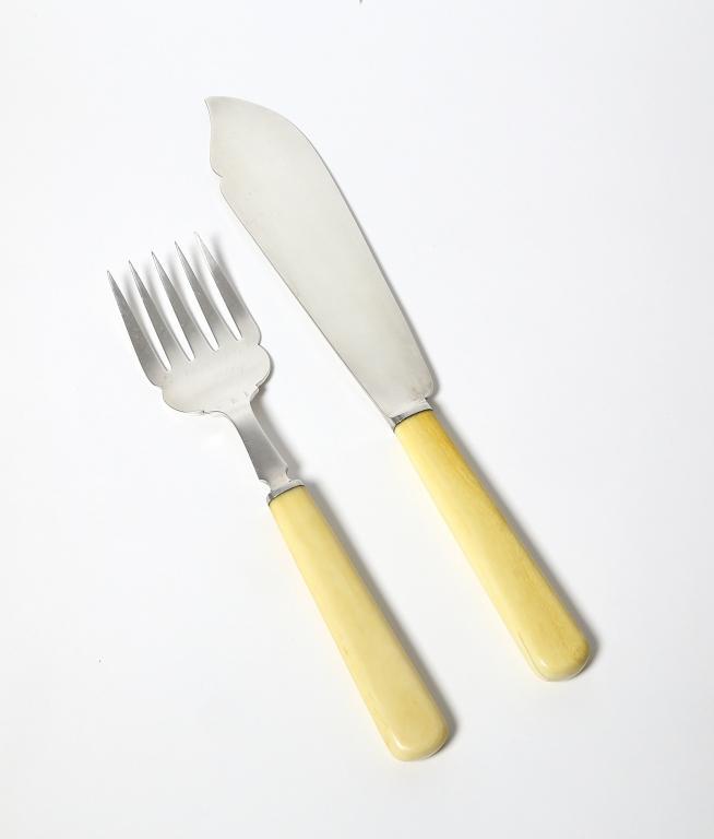 Вилка и нож - лопатка для сервировки рыбных блюд. Англия.