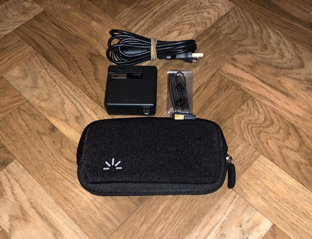 Цифровой фотоаппарат Nikon Coolpix S800c на Android, полный комплект, идеальное состояние