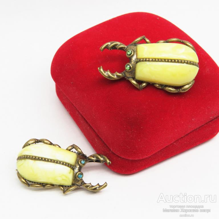 Брошь - Кулон  Жук Рогач Янтарь бронза украшения подвеска необычная брошка насекомые стразы 1821