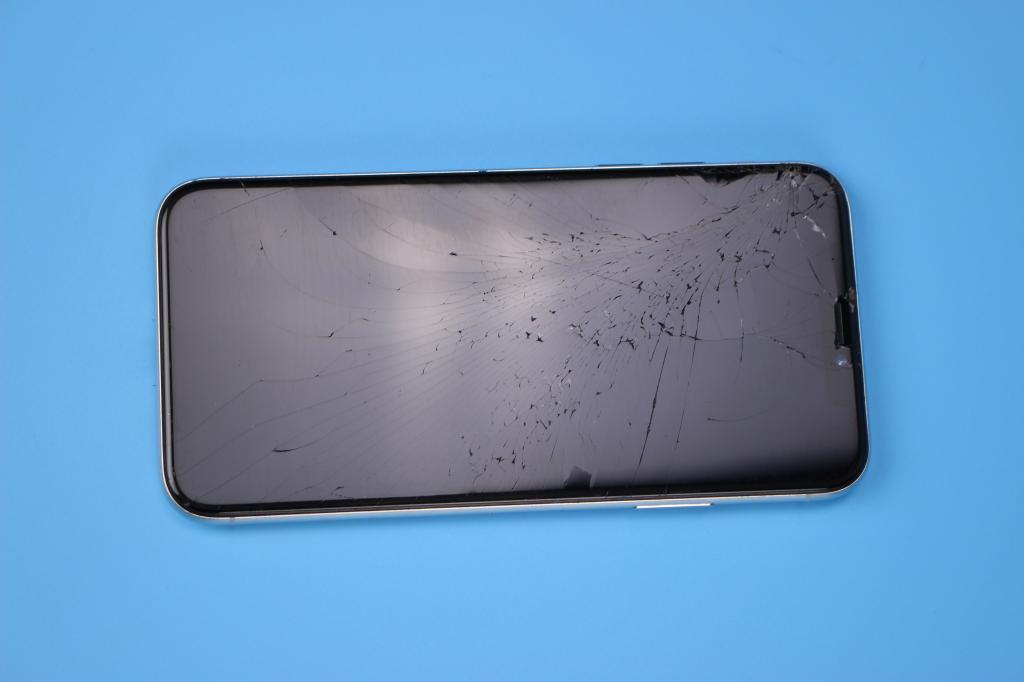 Apple iPhone X 256 Гб. ( Оригинал ) «как есть» - Аукцион с 1-го рубля