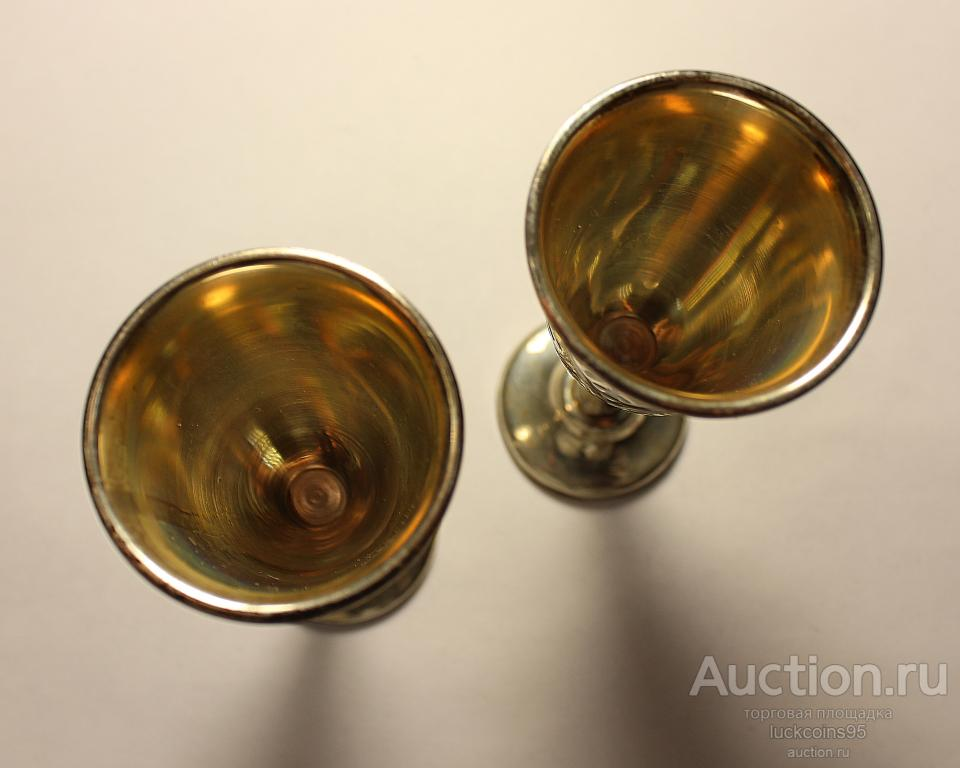Серебряные рюмки с гравировкой. Серебро 875 пробы. 2 рюмки - 97.8 грамм.