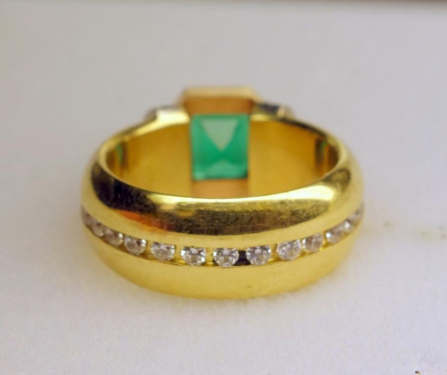 Золотое кольцо с изумрудом бриллиантами Колумбия музо
