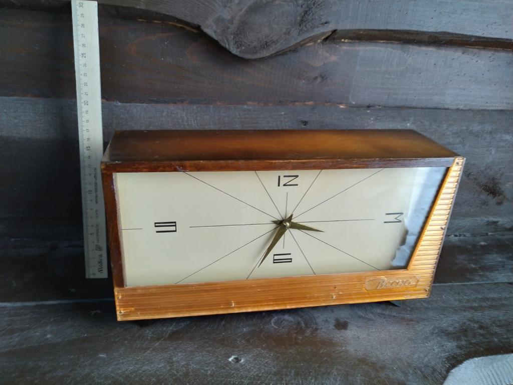 Часы из СССР Весна 1973,с боем,не идут,но все на месте,нужна доводка,редкие,хорошее состояние