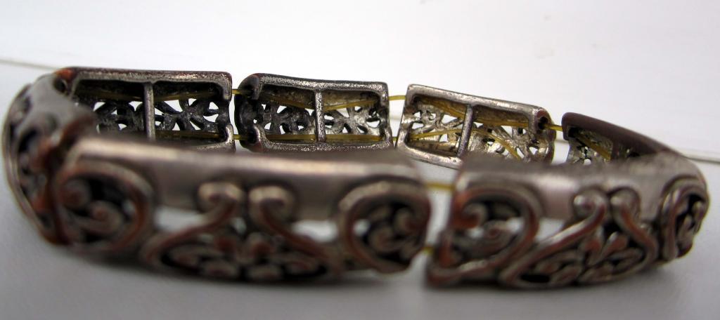 Браслет. Бронза (или медь) с остатками серебрения